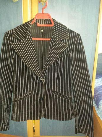 Елегантно дамско сако H&M - кадифе . Р-р 36