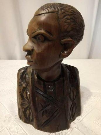 Африканска статуетка бюст
