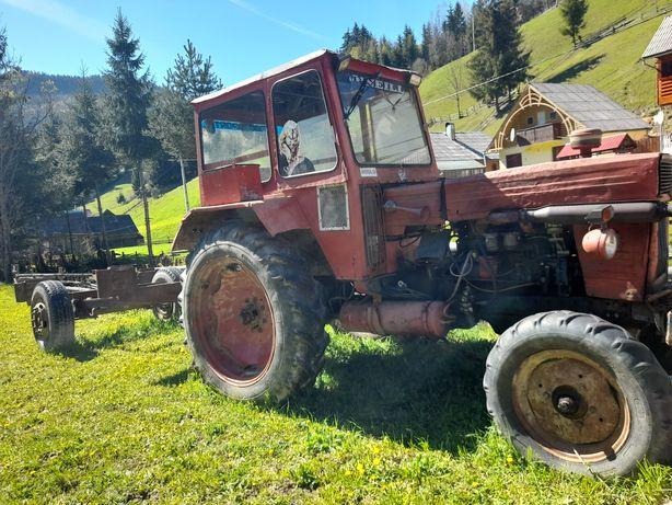 Tractor U650 troliu si remorca