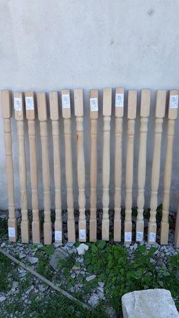 Stalpisori si balustrada (-) din lemn fag.