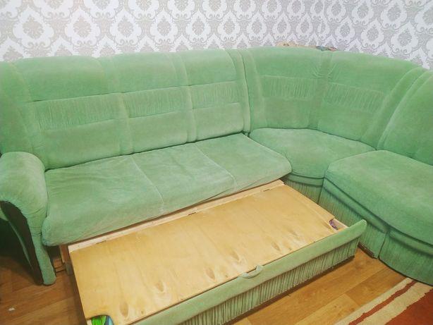 Угловой диван, + кресло
