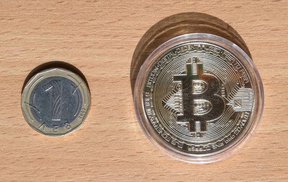 Монета Биткойн сувенир