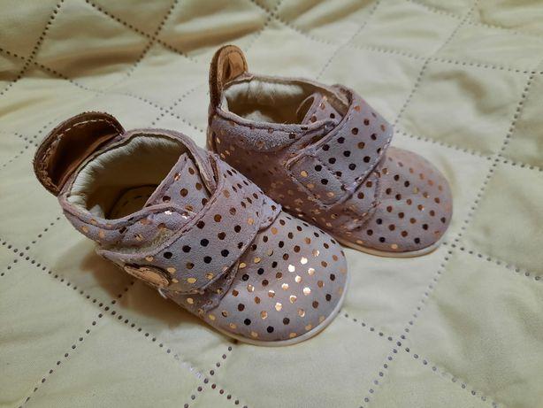 Papuci bebe fetite