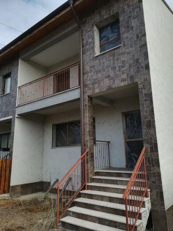 Vand casa 3 niveluri (D+P+E), zona Obor, cartier rezidential.