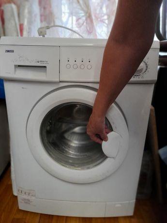 Срочно продам машинку стиральную