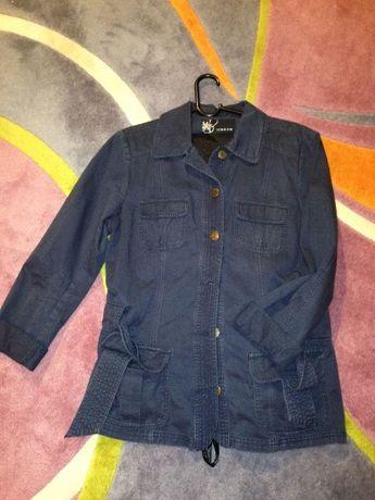 Продавам ново дамско сако, едно зимно /черно/, 4 пролетно/есенни якета