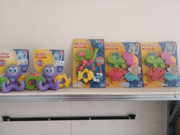 Детски играчки за баня и басейн