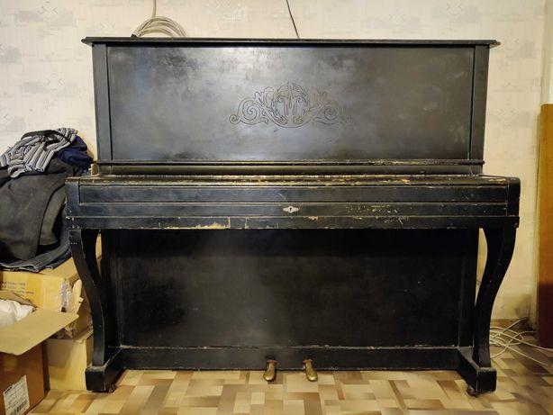 """Продам пианино б/у - """"Беларусь"""", черного цвета."""