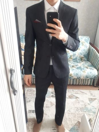Продам костюм б/у.