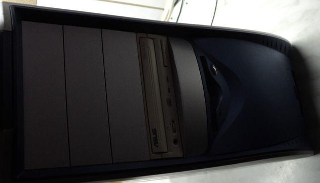 Carcasa PC Tower + Sursa 400W Stare foarte buna