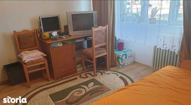 Apartament 2 camere cf 1 semidecomandat zona Unirii Sud