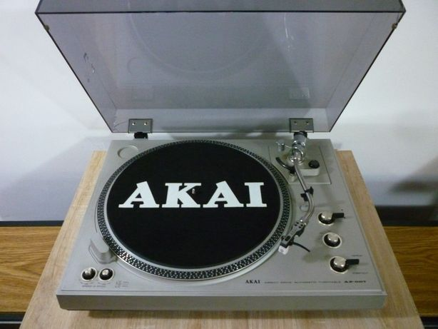 pick-up akai ap 007 redus la 200 euro
