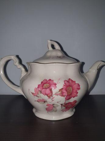 Уникален порцеланов чайник