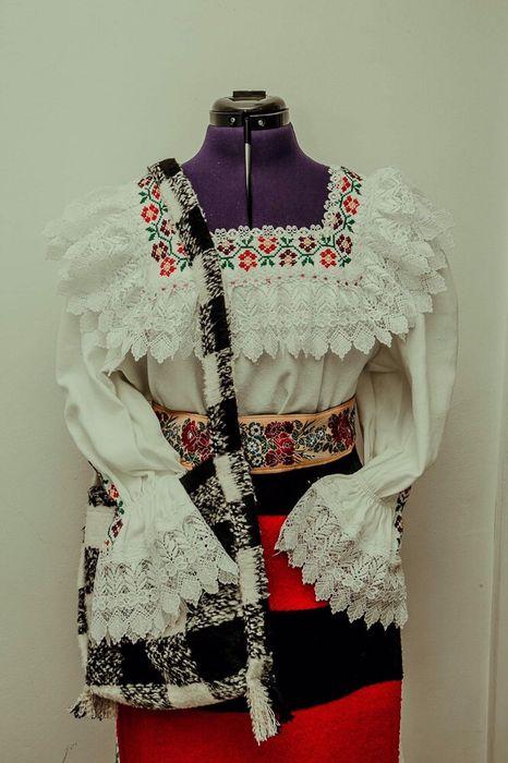 Costume nationale traditionale Baia Mare - imagine 1
