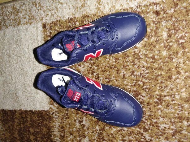 Adidasi New balance 373