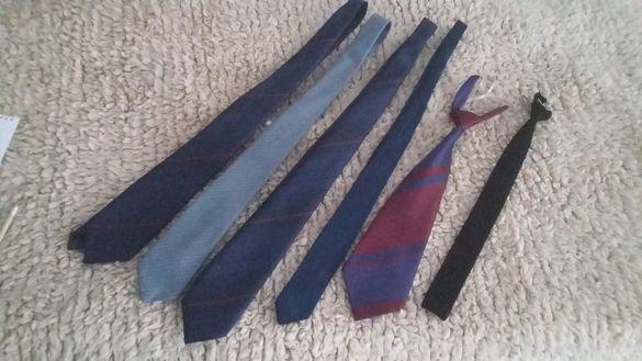 Продавам мъжки врътовръзки и ръкавици