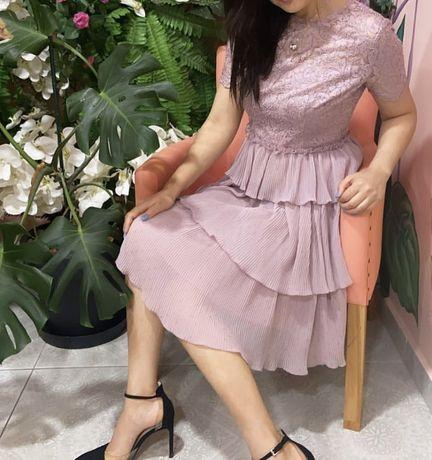 Продаёться платье,Итатянск.ткань,очень красив.платье.,