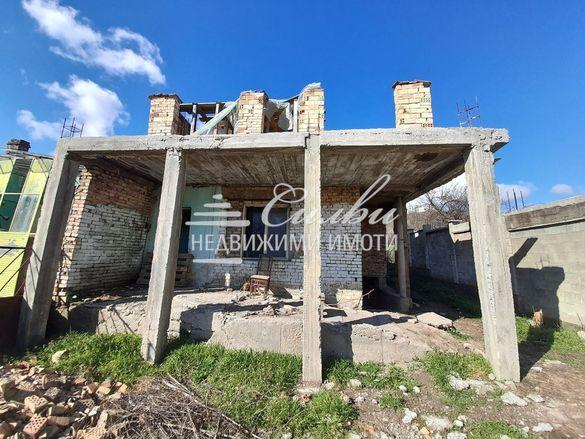 Къща в Шумен-Топхане площ 65 цена 57000