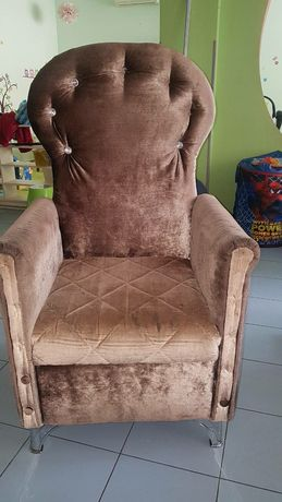 Стол трон за парти