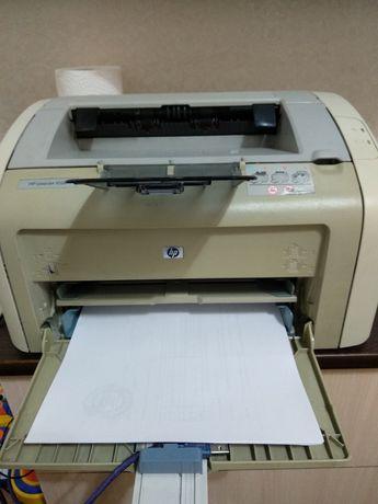 Продам принтер 1020