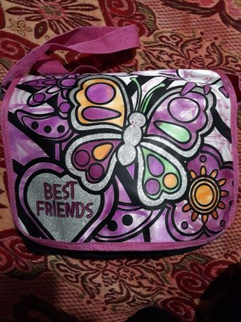 Красива чанта за момиче