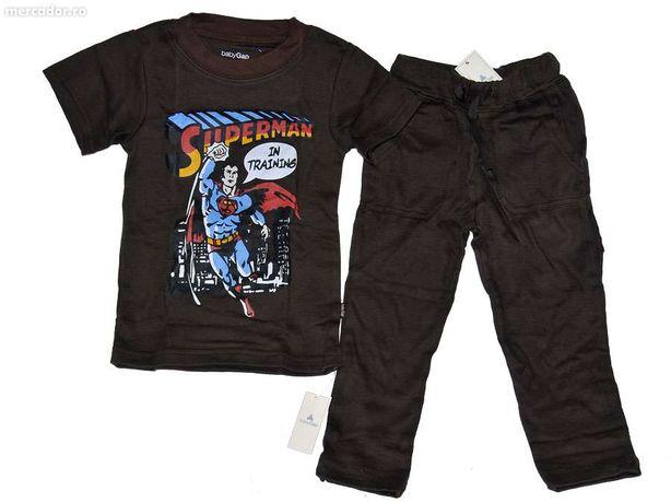 Pijama BabyGap cu maneca scurta, pentru baieti