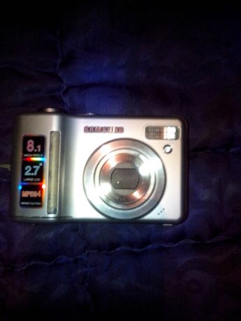 Продавам цифров фотоапарат Samsung