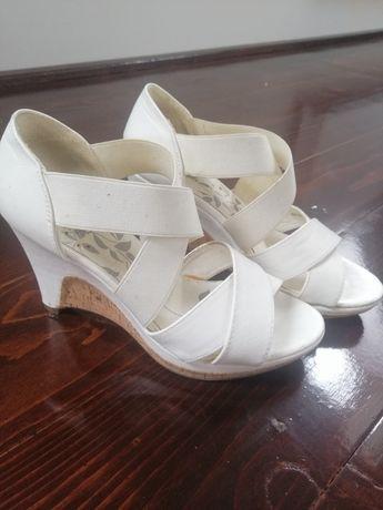 Sandale albe cu talpa