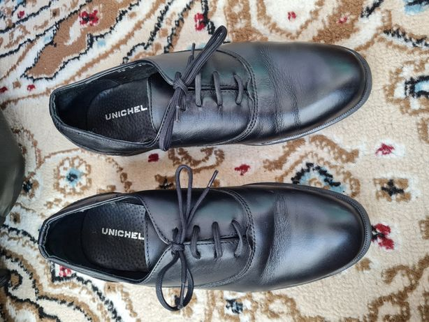 Новые подростковые туфли 36 размера