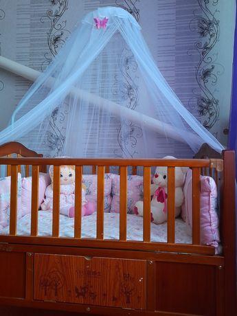 Продам детскую кроватку с люлькой и бортики для девочки!!!