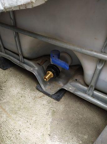капачка за кран бидон- цистерна IBC контейнер 1000 л 1 тон