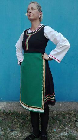 Северняшка женска носия черна