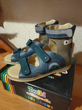 Ортопедические детские сандалии