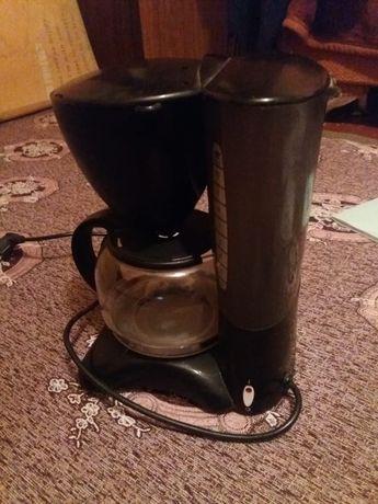 Продам кофеварка Nova