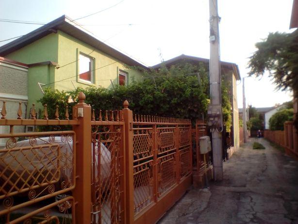 Casa 5 camere, 180mp utili, teren 221mp, central-zona 0