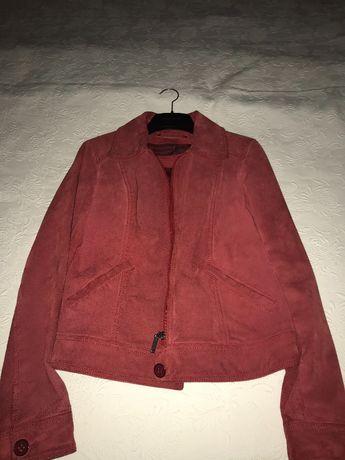 велурено яке цвят бордо