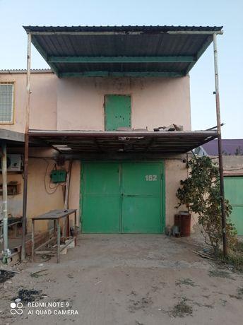Гараж в ГСК Каспий, 2 этажный с большим подвалом, приватизированный.