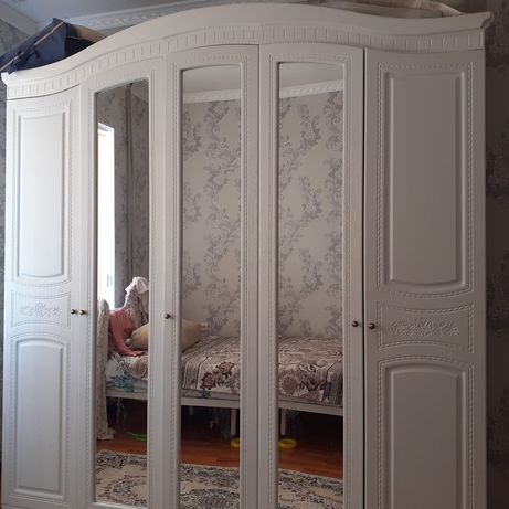 Спальный гарнитура  камод 2 тумбочки 150 тыс тг, кухонный гарнитур 30т