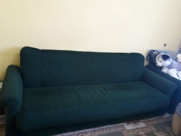 Продам диван и две кресла