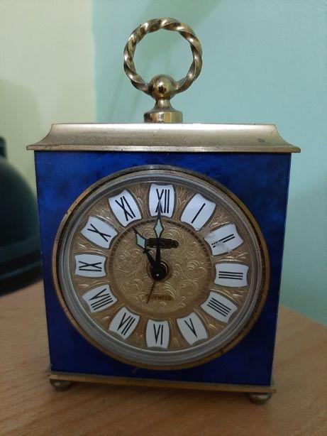 Ceas de masa vechi model deosebit