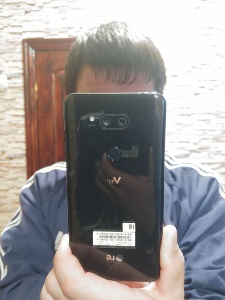 LG V 30+ продам.
