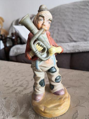 Figurina porțelan cântăreț 20 cm.