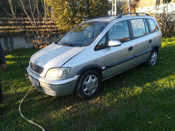 Dezmembrez Opel Zafira 1.6 benzina, 7 locuri, an 2000