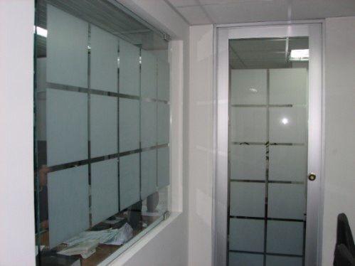Sablare geamuri, vitrine, birouri