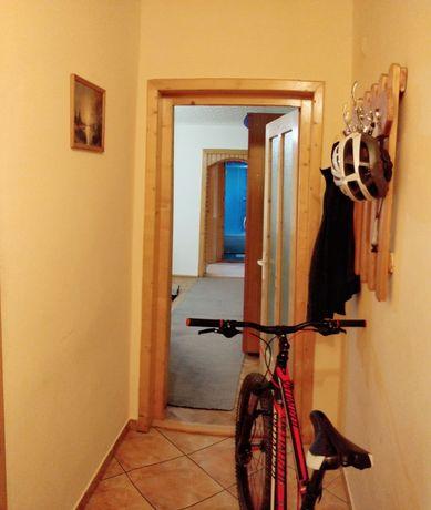 Apartament 2 camere și pivniță în zona Simeria