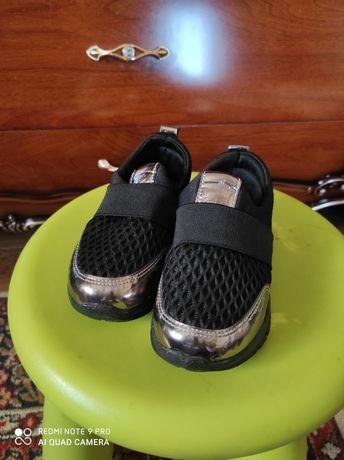 кроссовки 27 размер