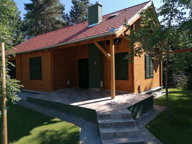 Vand/fac case din lemn