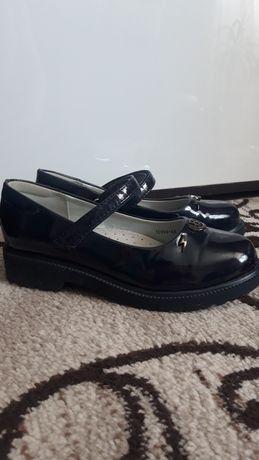 подростковые туфли