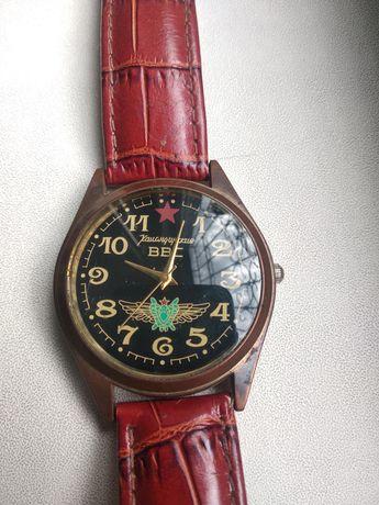 Часы командирские.