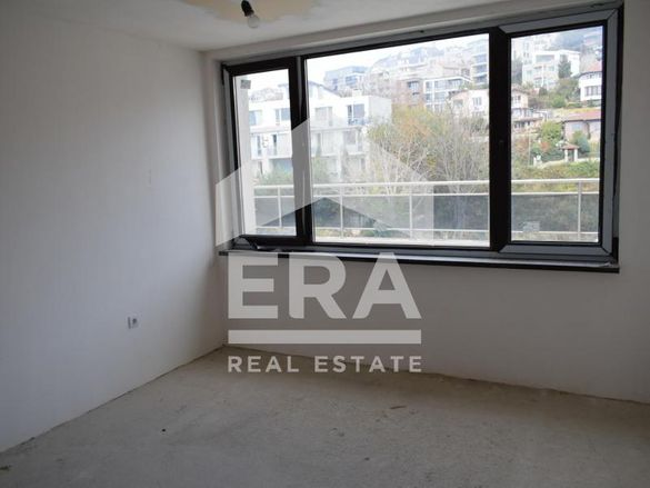 Ера Максима продава четиристаен апартамент в новопостроена сграда